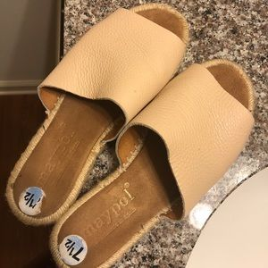 Anthropologie Shoes - Anthropologie Shoes - 7.5